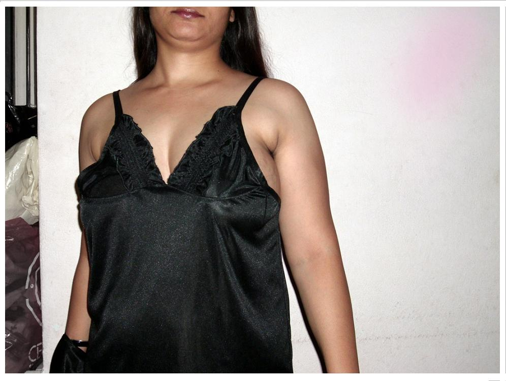 Australia NRI girl pink saree strapless blouse HD sexy photo