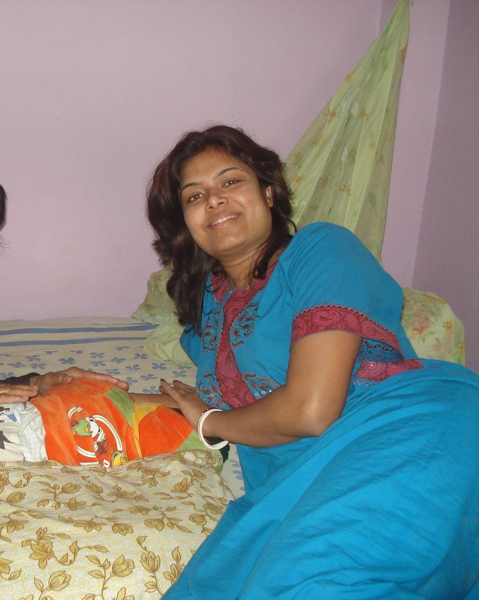Bhabhi In Blue Maxi Pic --5768