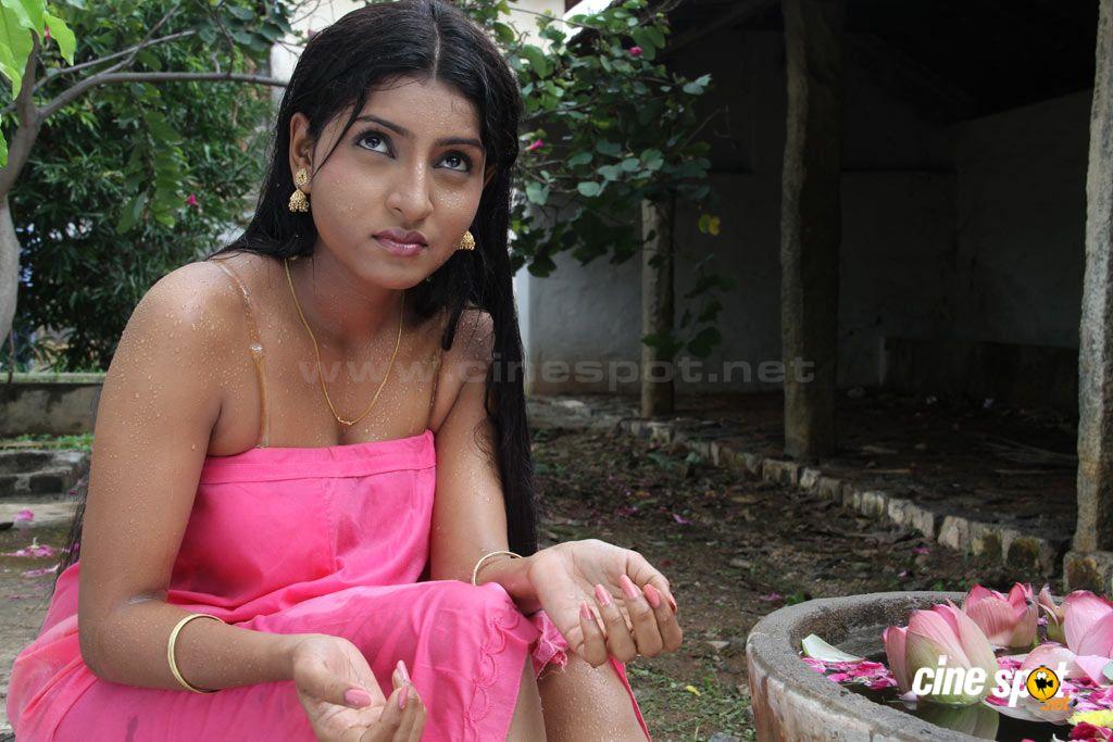 Deshi Girls Boobs Under Blouse Pics - Indian Sex Pics-2372