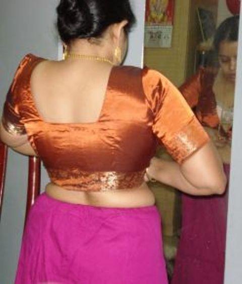 Girls back side hot pic