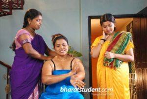 Chachi removed saree blouse petticoat bra panty pics