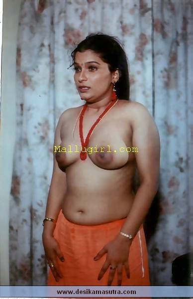 saree nude hot girls