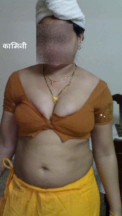 Desi aunty nude peticot not