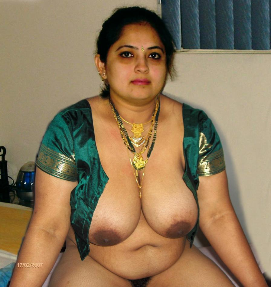 This aunty big boobs big nude