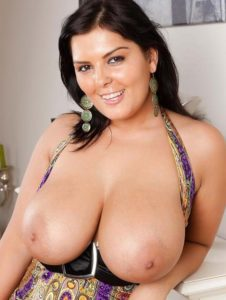 Big Boobs Beautiful Pakistani Aunty Naked Pics