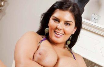 Big Boobs Beautiful Pakistani Aunty Naked Pics