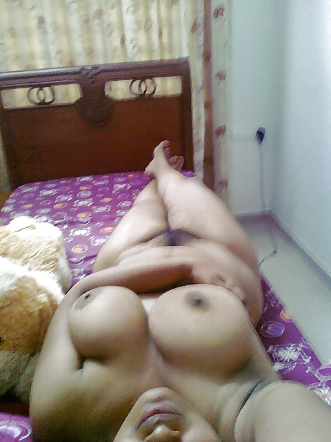 nude mallu aunty doing sex