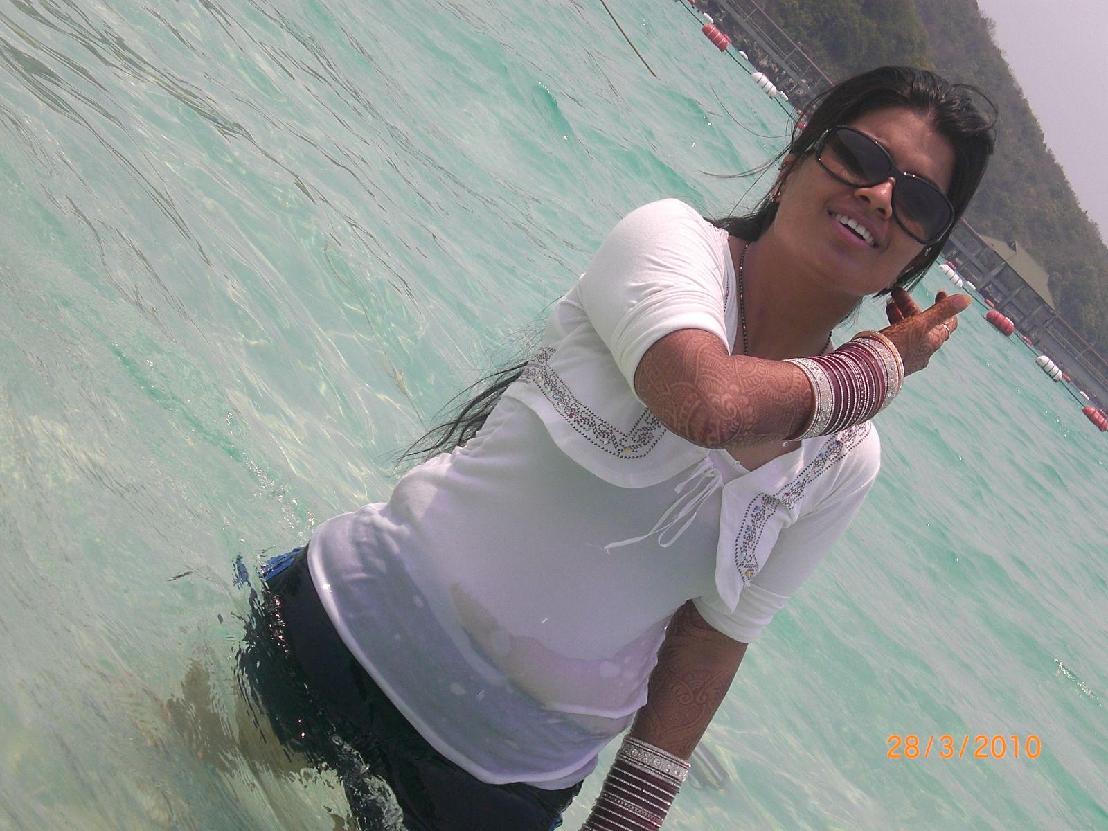 Honeymoon Bhabhi In Nighty  Latest Hd Image Gallery-8441