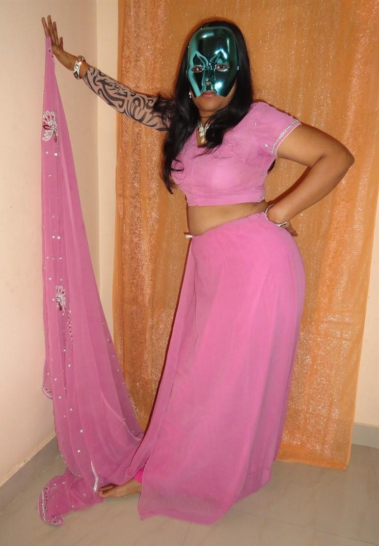 Honeymoon Girl Saree Removing Nude Photos  Hd Unseen Gallery-7805