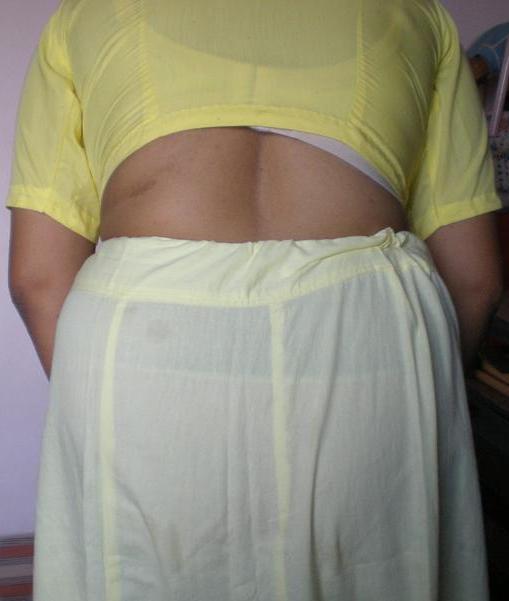 bhabhi sexy ass photo saree petticoat