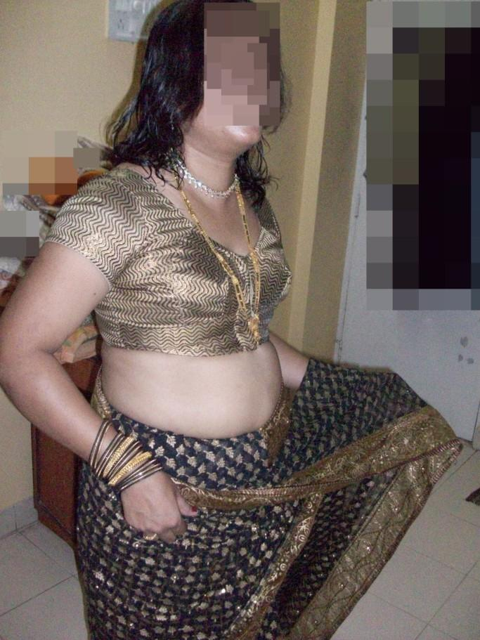 Big boobs bhabhi stripping saree show huge ass | HD Images
