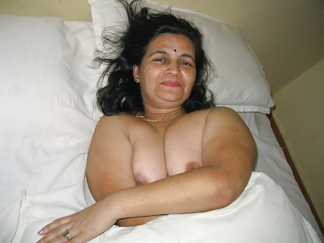 indian middle aged nude aunties