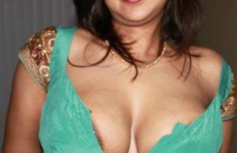 Desi hot auntys tight deep neck blouse