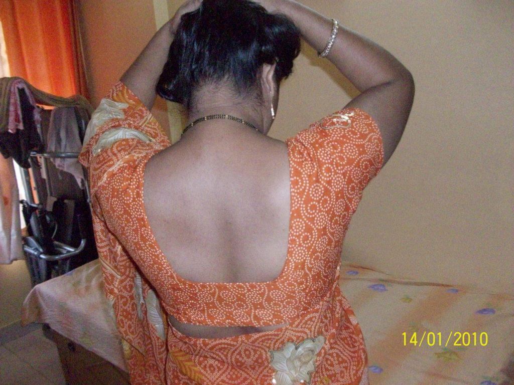 Indian aunty nude back