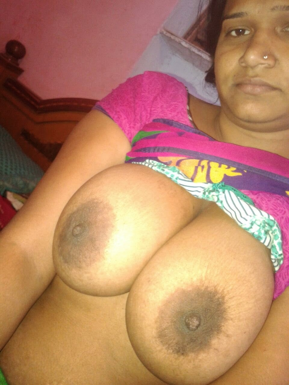 Aunty nude boobs Indian huge