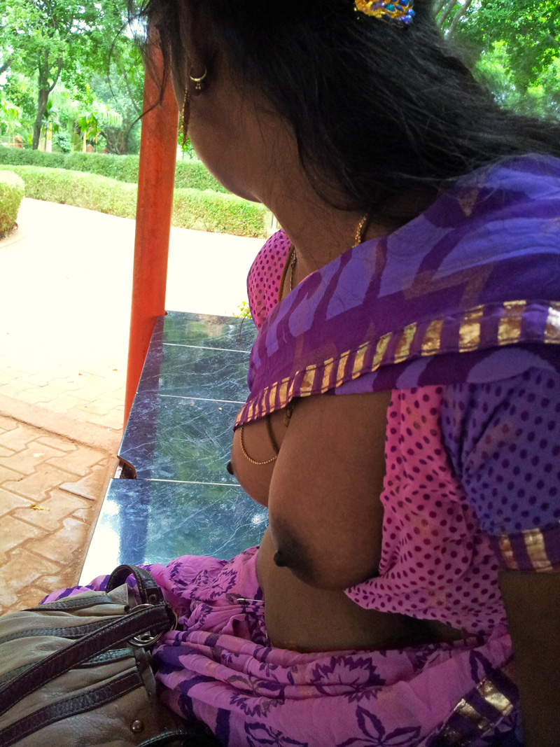 desi-wet-aunties-in-bra