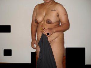 Saree petticoat mein house wife ki nangi