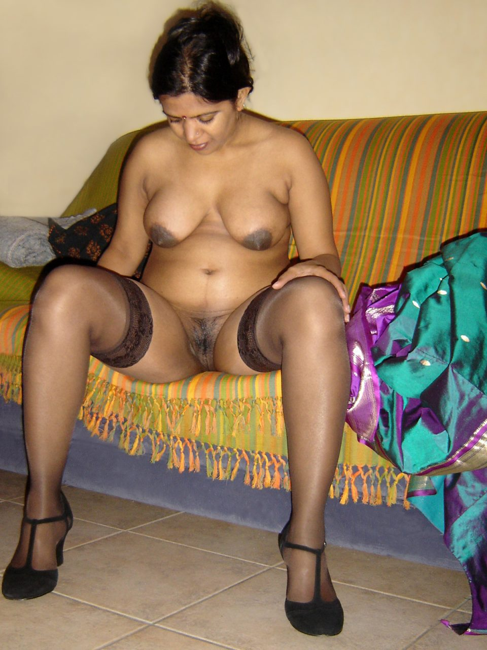Real pornstar? Desi girls saree boobs show you