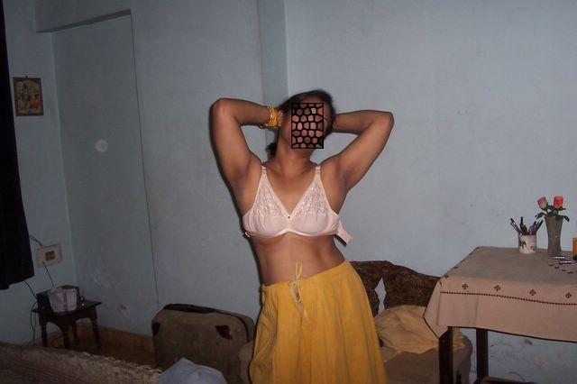 Indian girl strip dance-5694