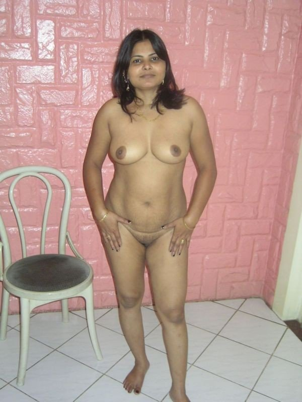 hair coloured nude desi aunty sexy