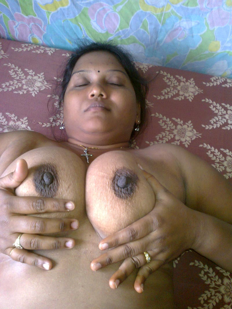 Tamil village aunty xxx photos seems