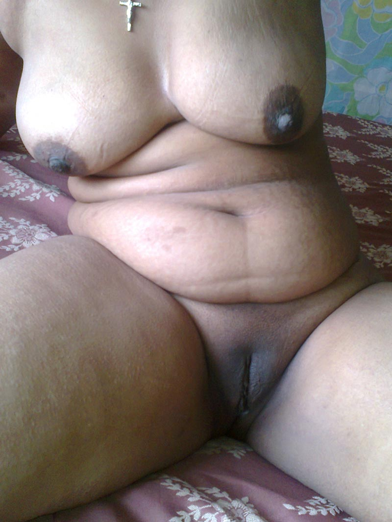 Indian aunties nude boobs