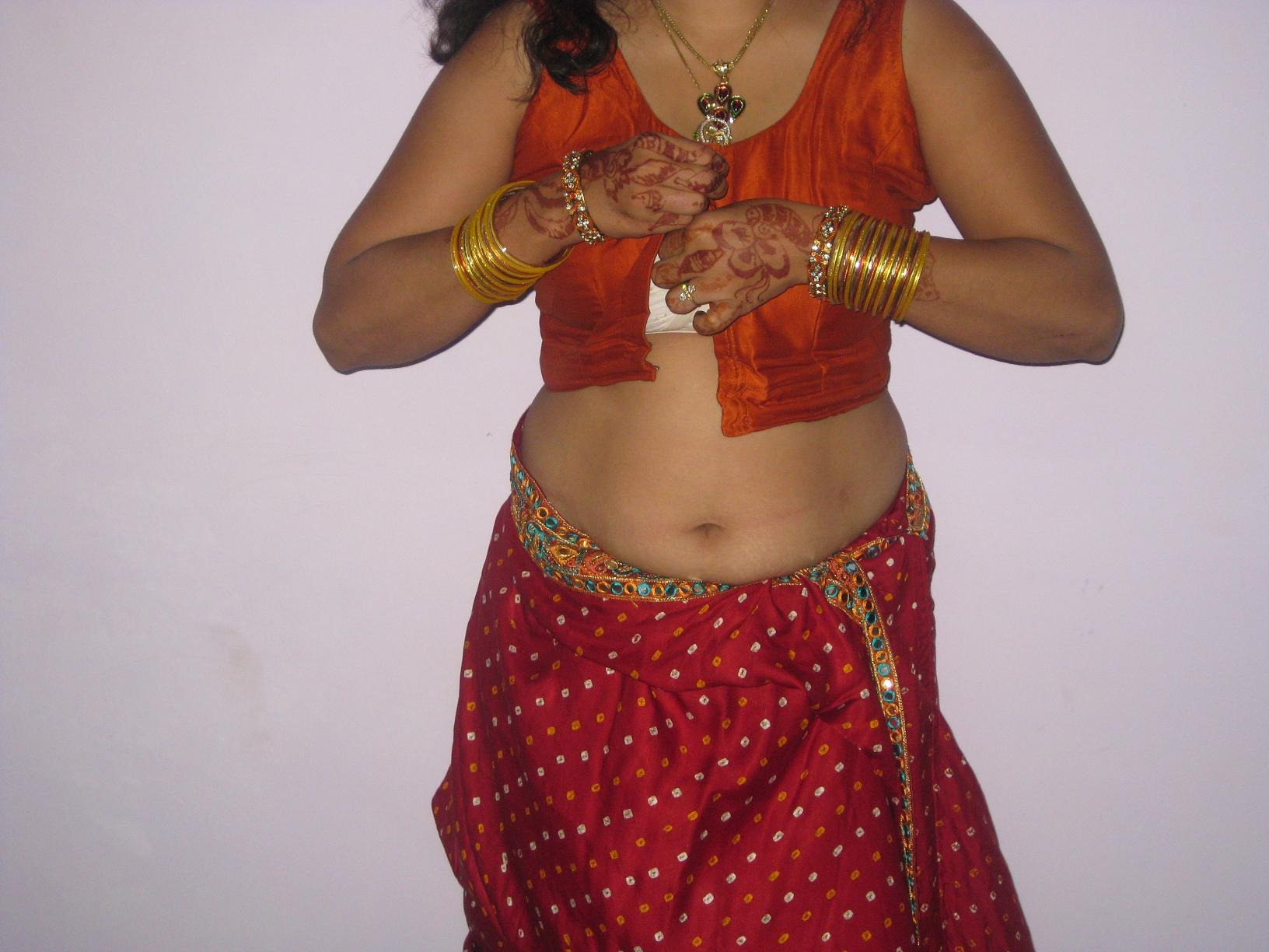 Hot Gori Bhabhi In Transparent Saree Removing Photos-5965