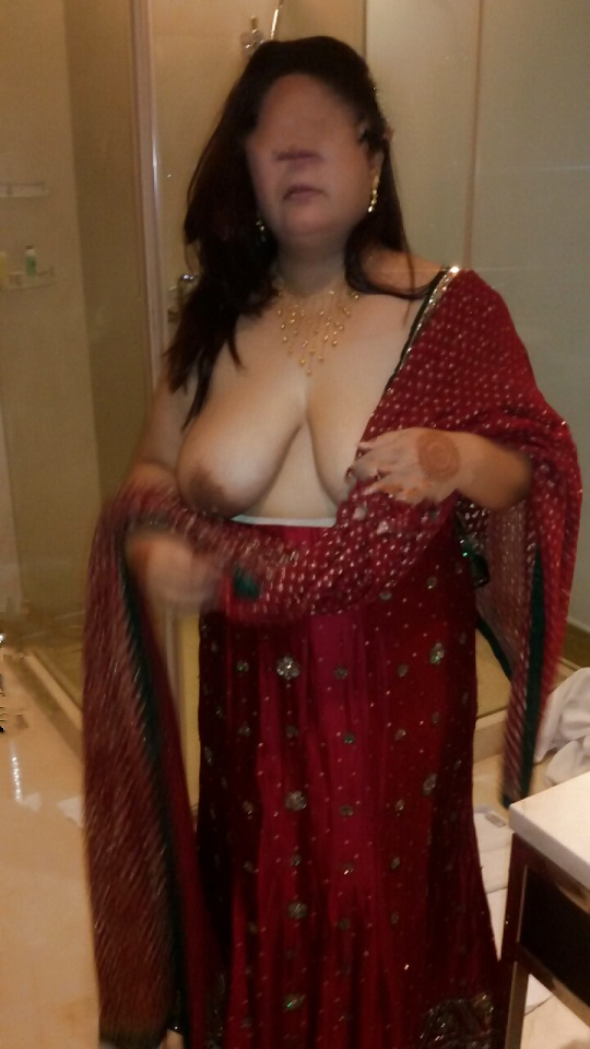half naked in saree