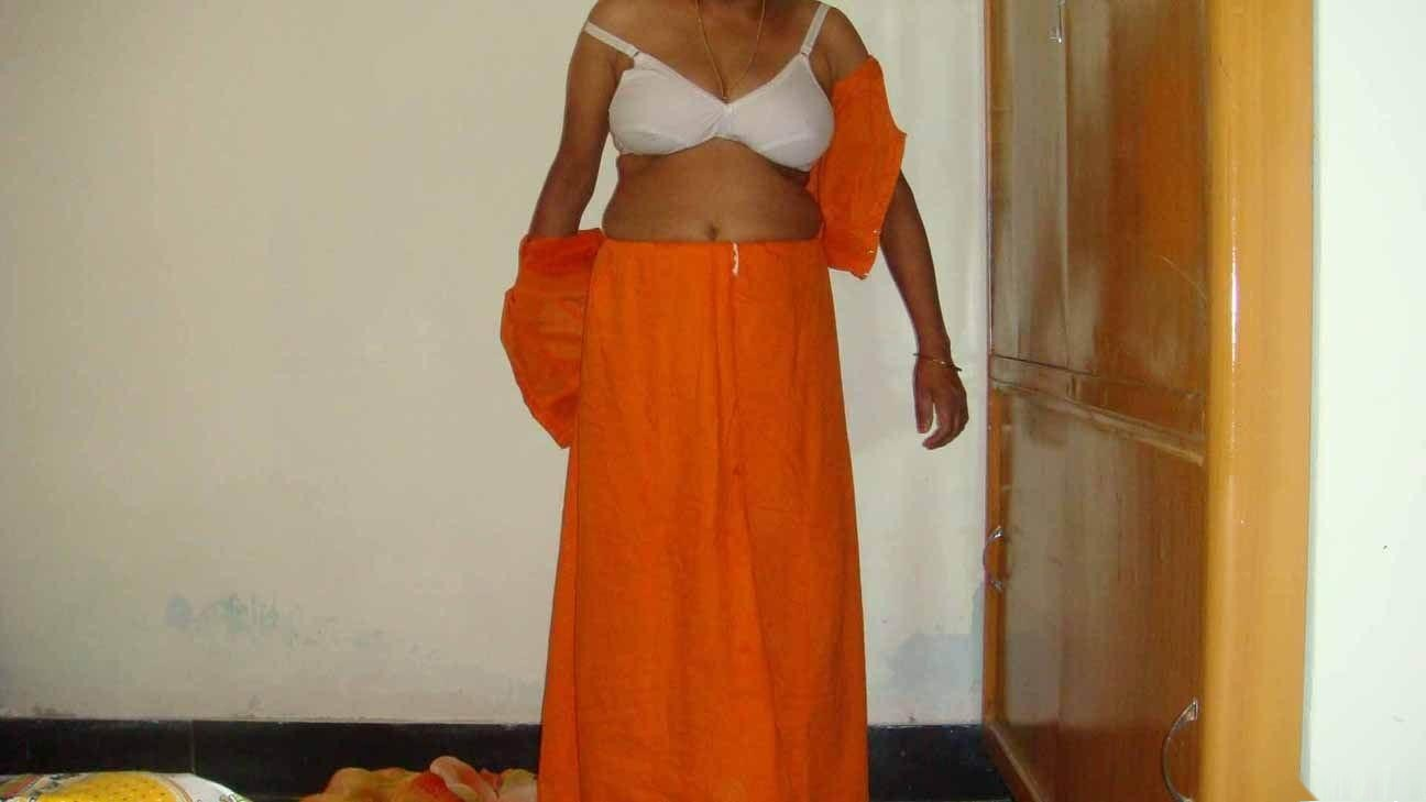 kerala aunties bra blouse remove