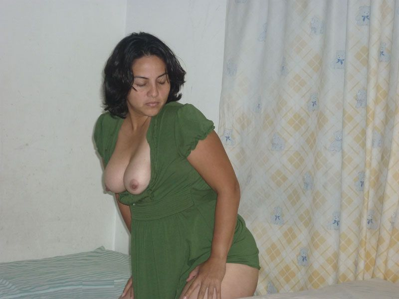 Hot!! love indian aunty nude photo Nice tan!