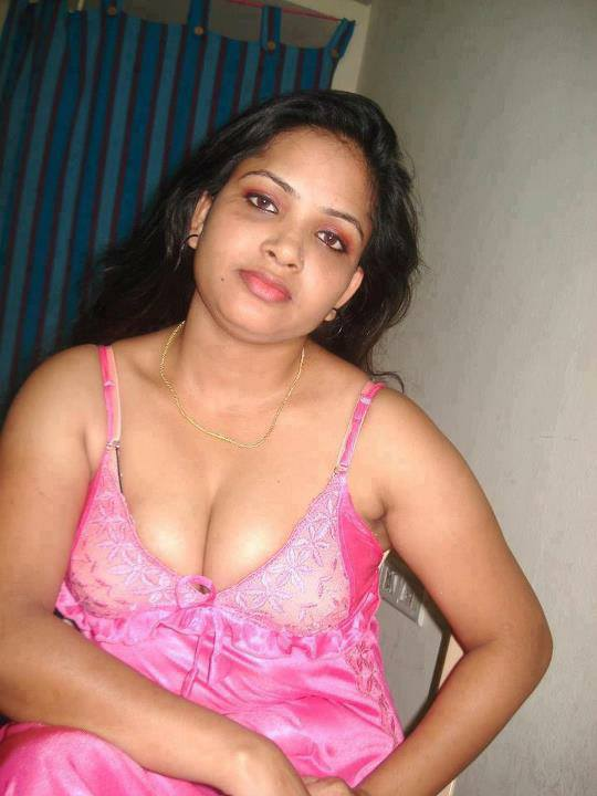Hot aunty photos want