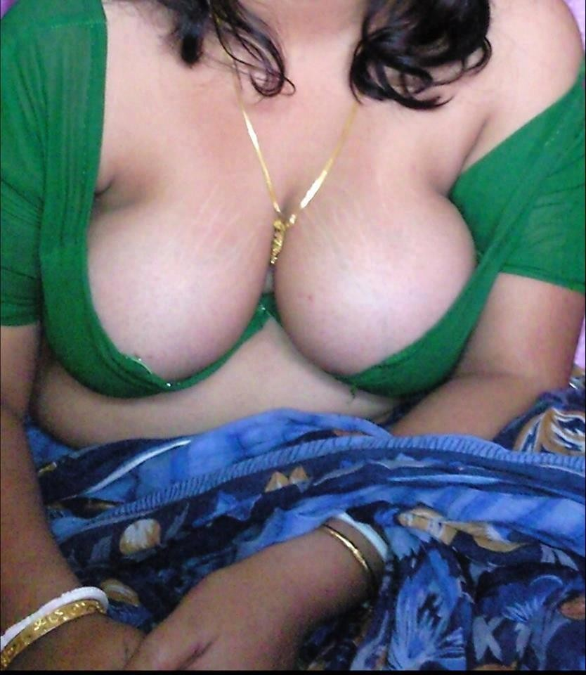 Hot and desi blouseless Saree nude pics mature fuck