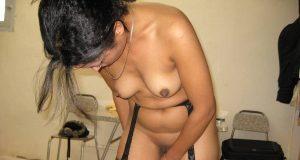 Bengali boudi showing pussy