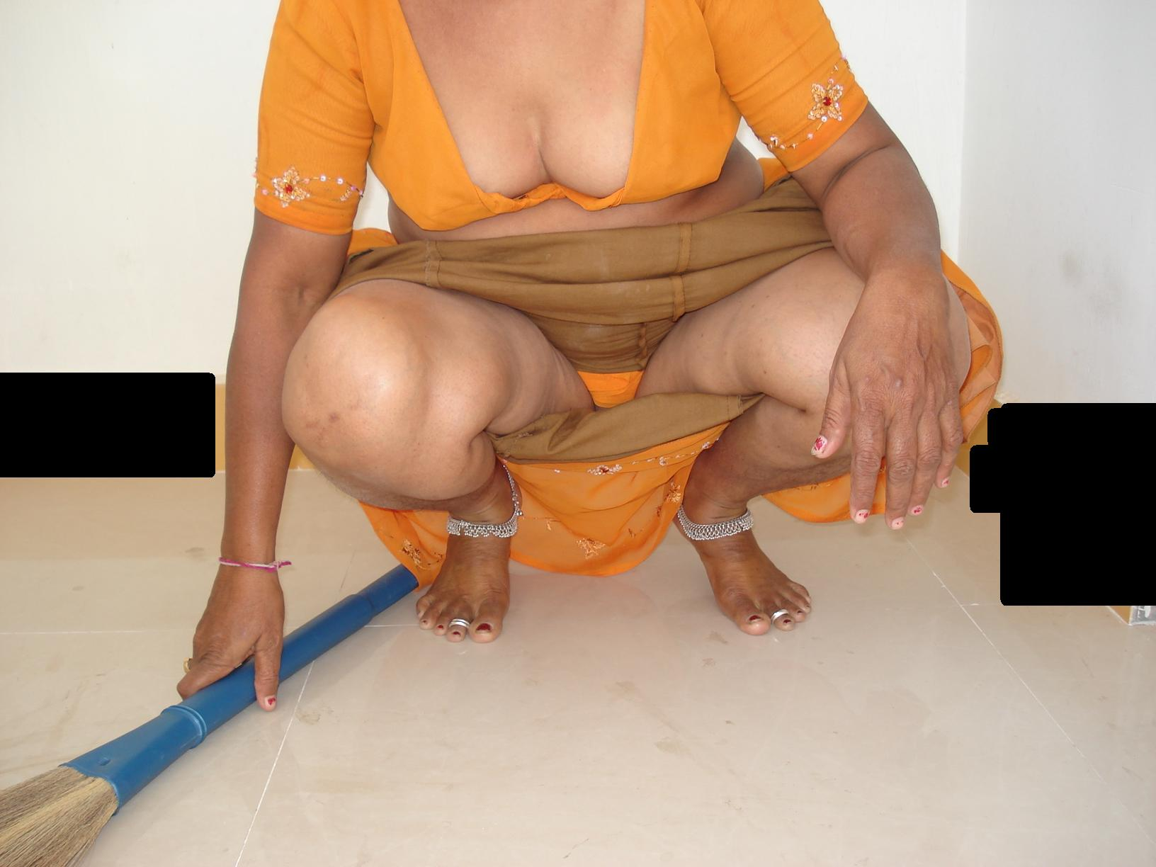 Seems desi aunties nude public
