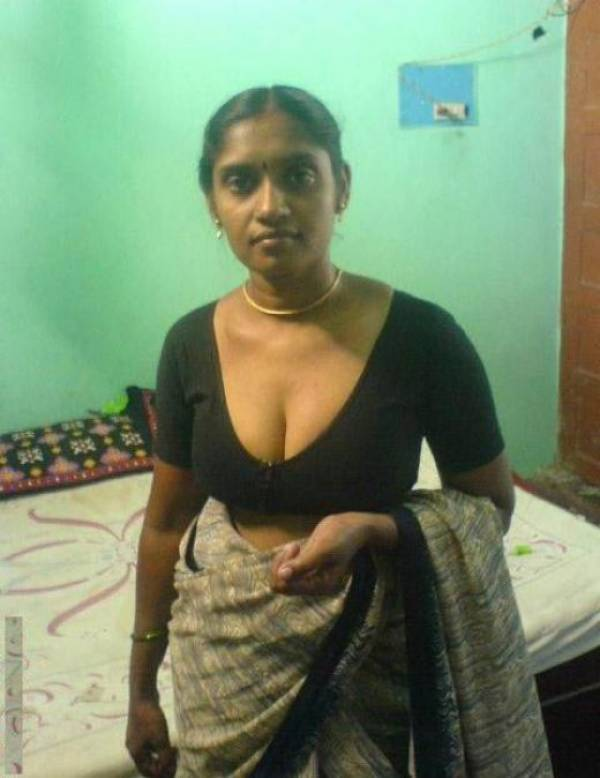 Bangladeshi 29 years old chubby girl skype nakedp2 1