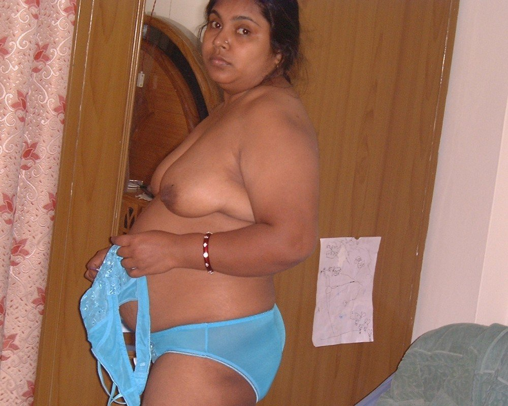 Big boobs village girl taking bath