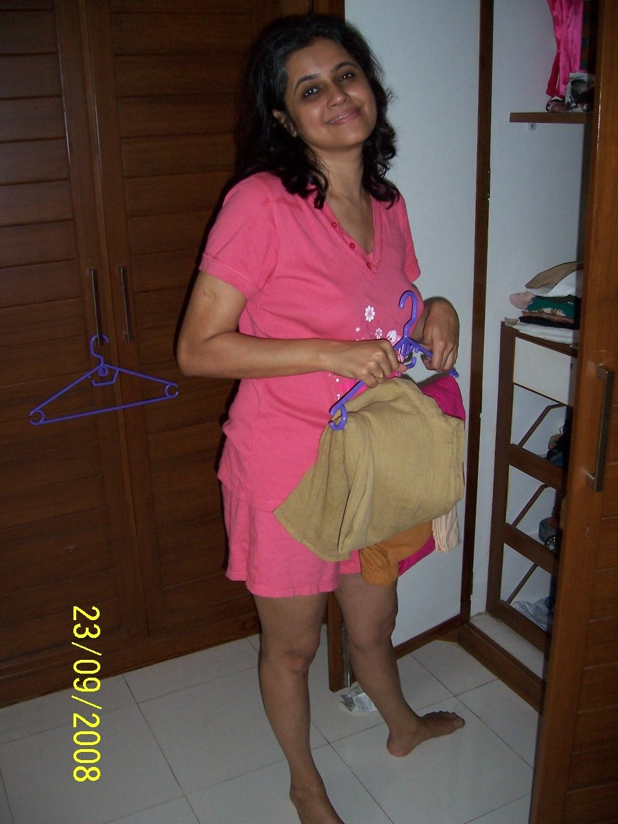 Mast-Bhabhi-Wearing-Maxi --4775