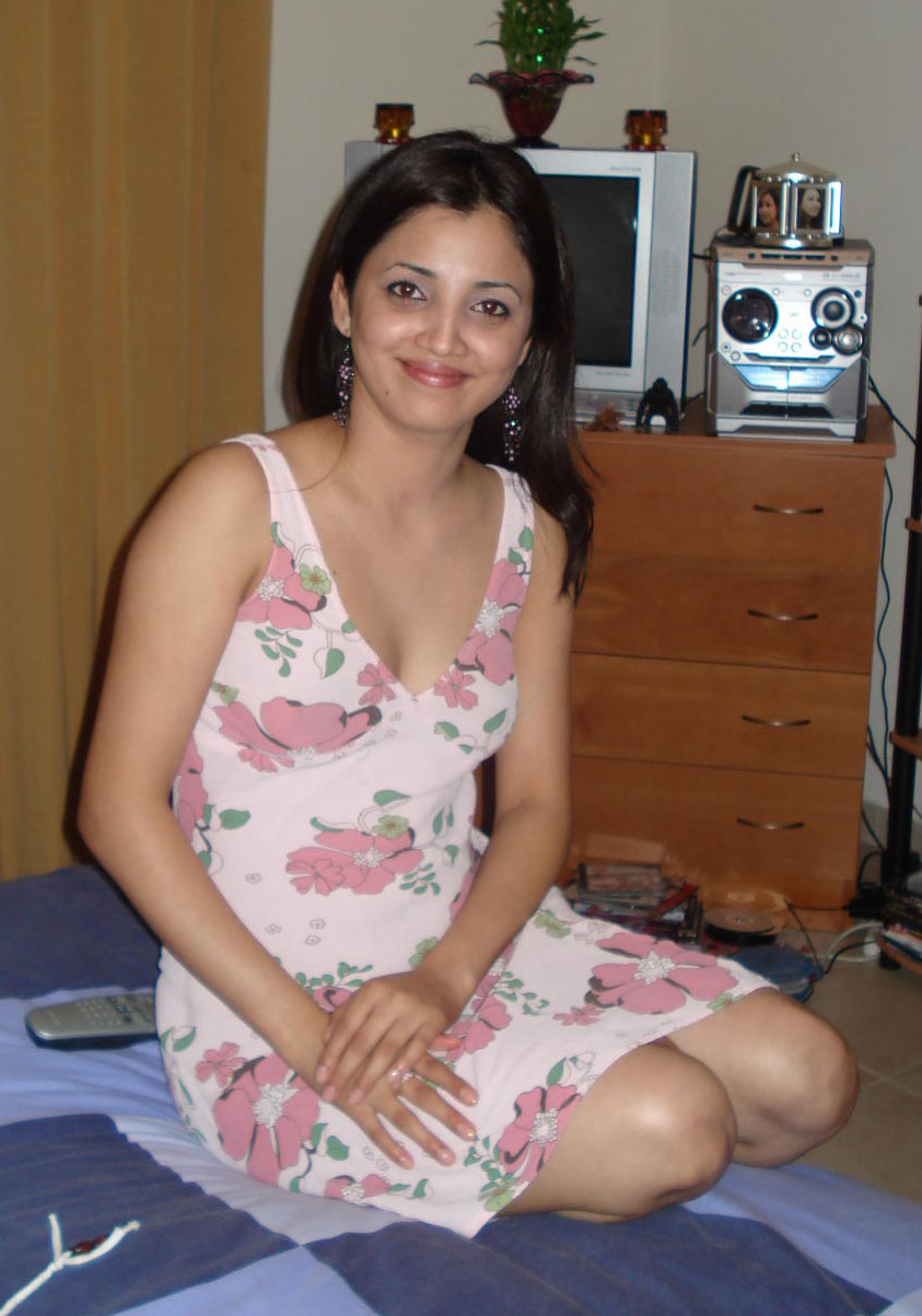 Desi indian bhabhi stripping her clothes p4 2