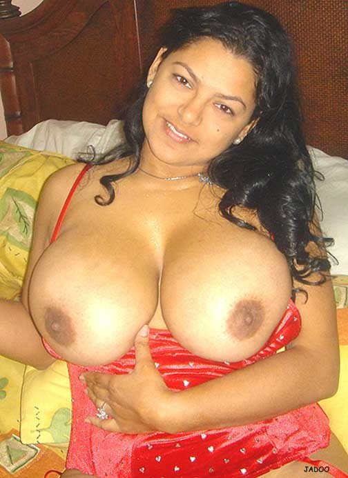 What Indian mom big perfect busty tits in saree that