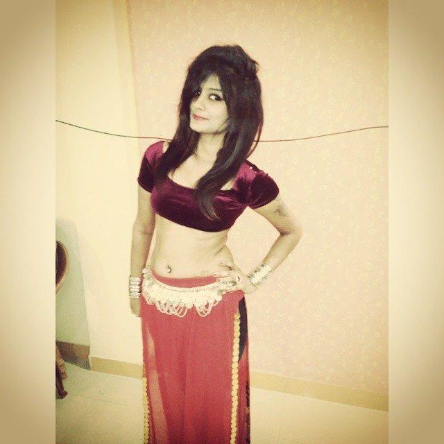 Huge tamil boobs bhabi saree bra fucking