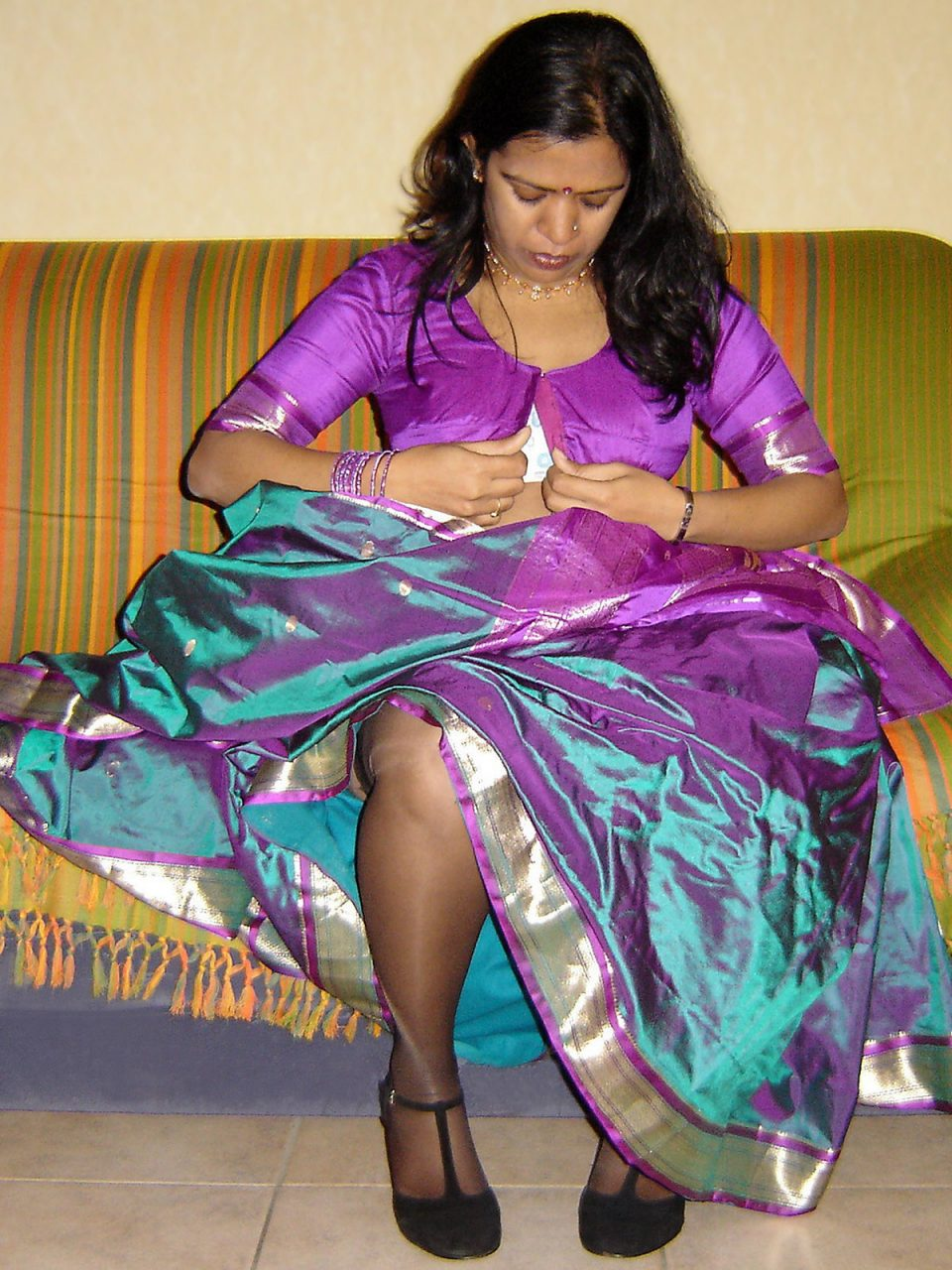 Bangla girl exposing on yahoo - 2 part 6