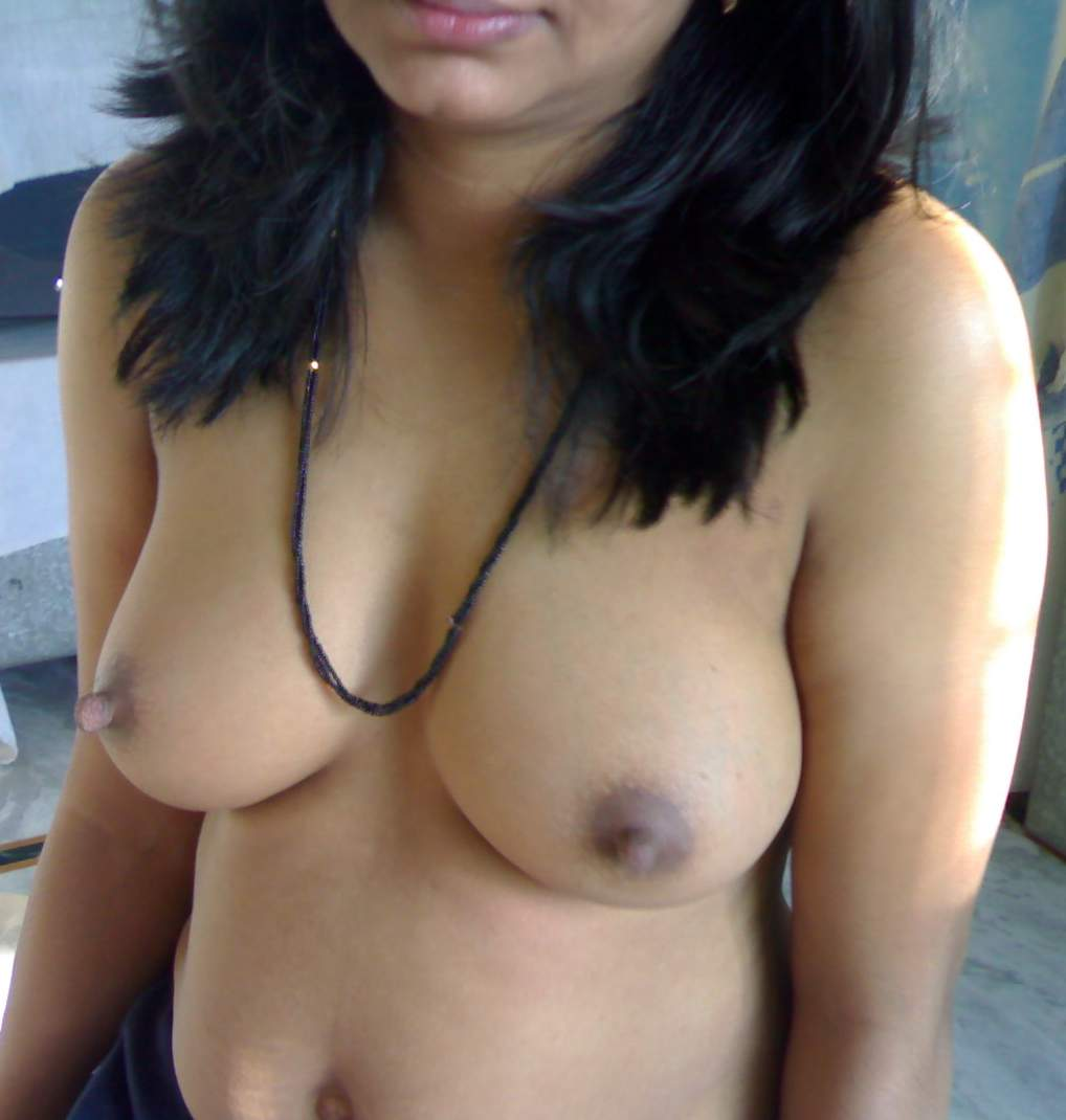 hot sexy indian boob biting