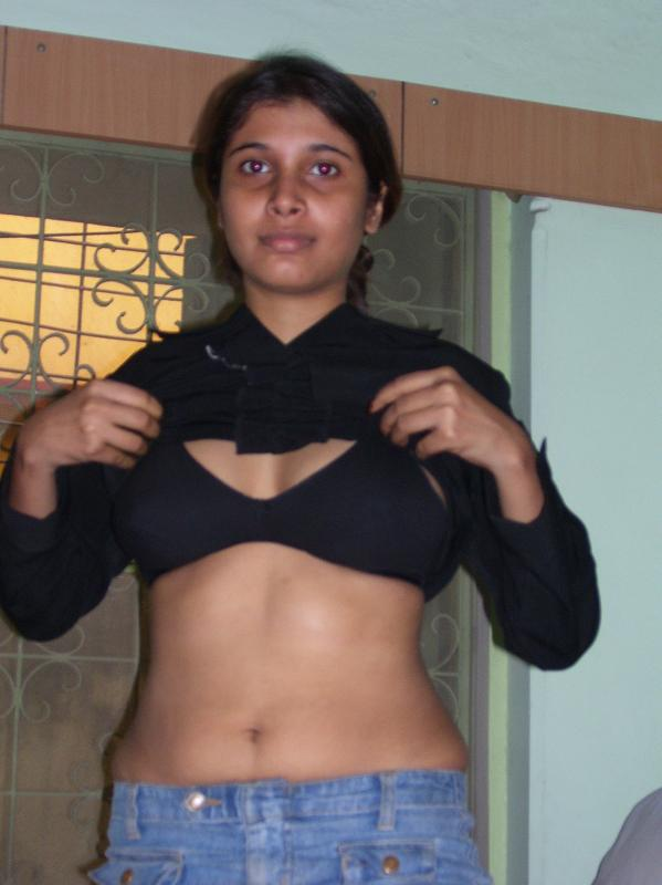 Bihari Girl Silk Black Bra Real Showing Big Boobs Photo-9453