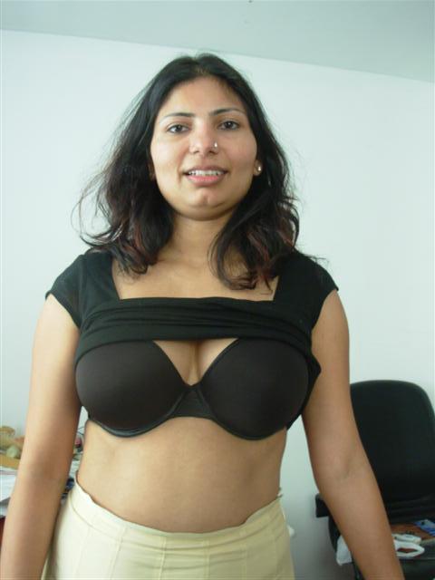 Satin silk saree aunty in train 8