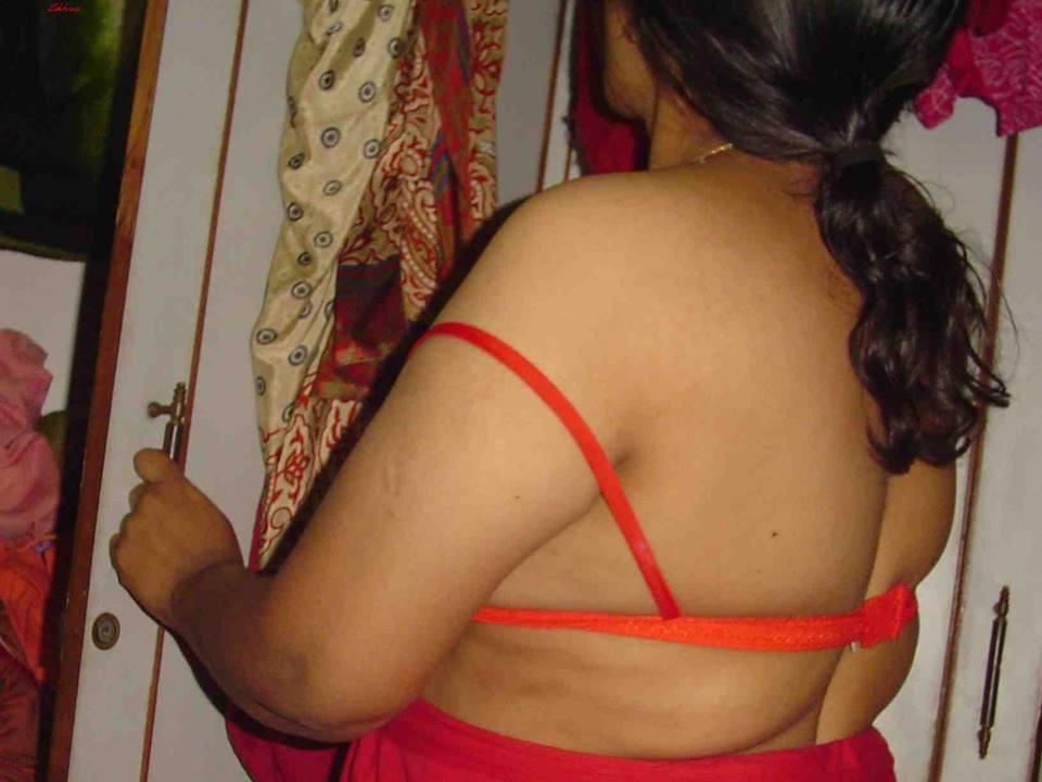 Bihari Wives Lifting Petticoat Sex Pic  Bhabhi Remove -4060