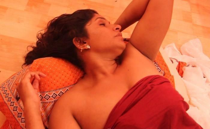Bihari Wives Lifting Petticoat Sex Pic  Bhabhi Remove -6683