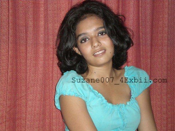 Desi College Girl Transparent Saree Show  New Hd Pics