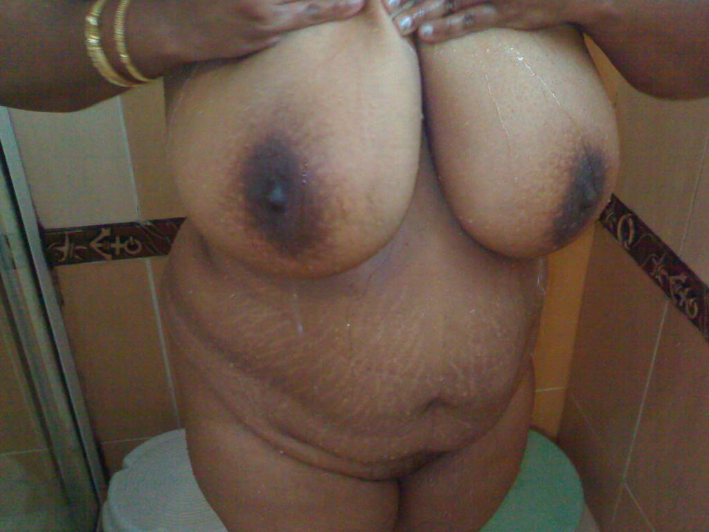 Sexy boobs indian aunties images well