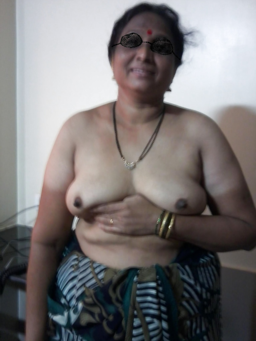 old very Nude saree