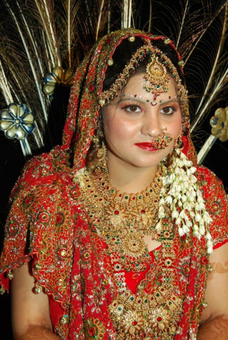 Newly married bhabhi honeymoon real pic | Posing in